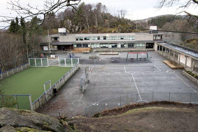 Kalvatræet skole.
