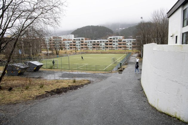 Ortun skole har fått en ny kunstgressbane ved siden av skolen.