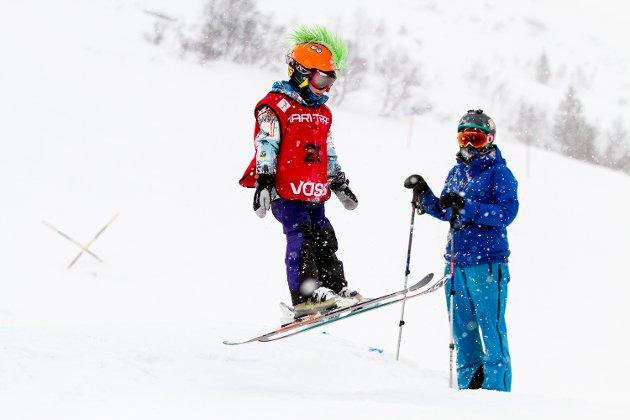 Simen Hansen fra Voss Freestyleklubb deltok i gutter 2009 og yngre. Hanhadde den kuleste hjelmen.
