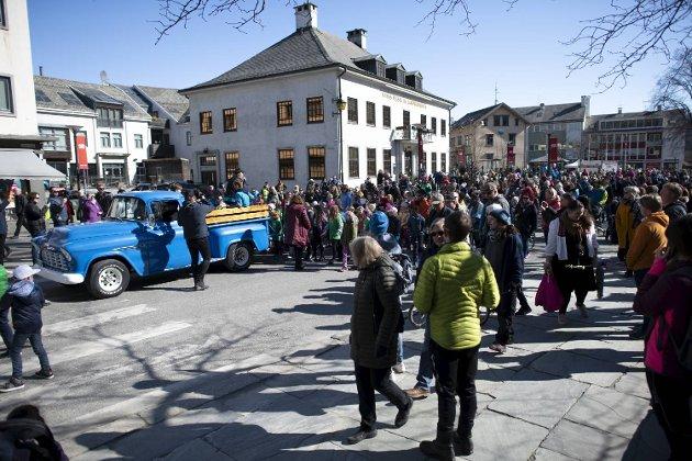 God stemning i Badnajazz-paraden lørdag formiddag.