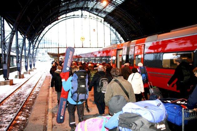 Bergensbanen kan få langt flere passasjerer med flere avganger mellom Bergen og Oslo, og denne fjerntrafikken kan også bli bedriftsøkonomisk lønnsom når Ringerikstunnelen står ferdig i 2028.