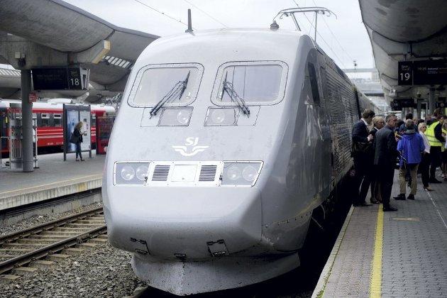 Da tar svenske statens Järnvägnar (SJ) et solid jafs av jernbanetrafikken i Norge og det meste nord for Oslo. Stadig mindre tyder på at NSB får noe særlig liv etter «døden».