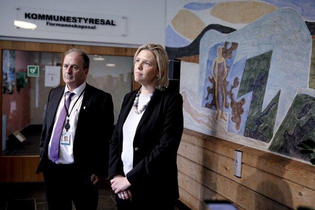 Ordfører Terje Mathiassen (Ap) og Askøy kommune må ta ansvar for vannskandalen på Askøy, men eldre og folkehelseminister Sylvi Listhaug (Frp) må gjøre mer enn å peke på kommunene for å få vannverkene i Norske kommuner opp på et godt nok nivå.