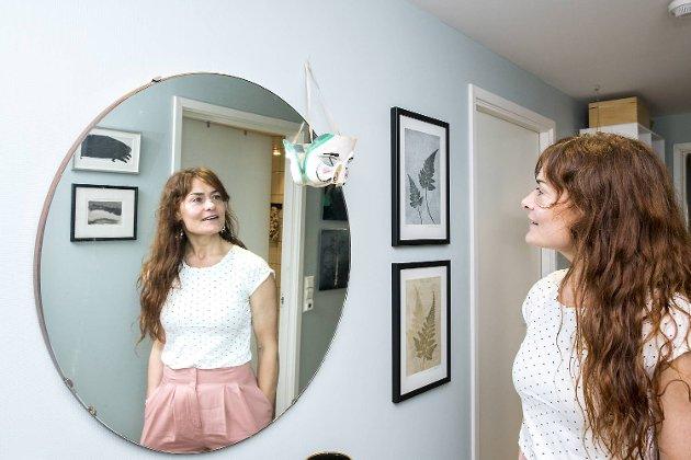 Signe Schineller jobber som boligstylist, yoga-instruktør, interiørkonsulent, og holder foredrag. For tre måneder siden flyttet hun fra Hardanger til Bergen.