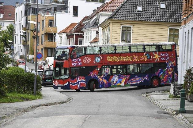 Stemningen blir bedre om også fastboende kan bli med bussen.