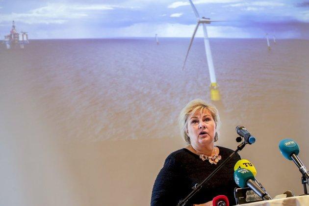 Statsminister Erna Solberg inntok selv podiet da milliardstøtten til Equinors havvindprosjekt ble gjort kjent. Snart skal regjeringen ta en enda større avgjørelse, om Norge skal investere i karbonfangst- og lagring.