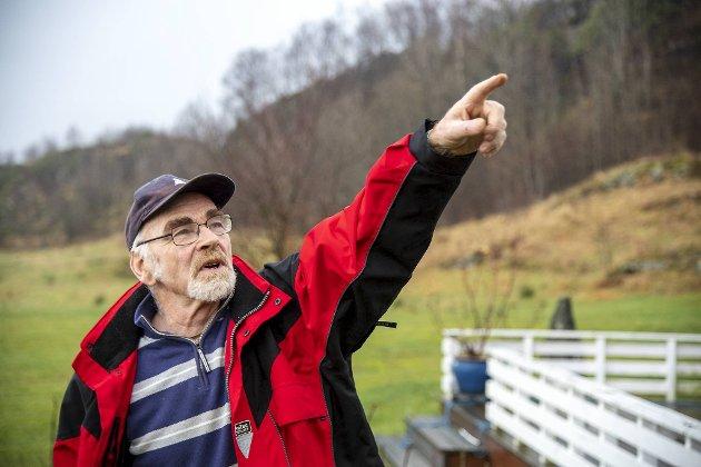 Erling Flæsland (75) vil ikke ha kraftlinje fra Samanger til Nordsjøen over gården der han har bodd hele livet, men maner til kamp mot BKK-planen. Han får full støtte av sin ordfører.