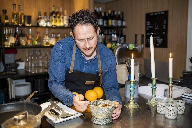 Alonso Coronal fra Mexico City lager taco – med og uten larver – på OkiDoki i Skostredet.