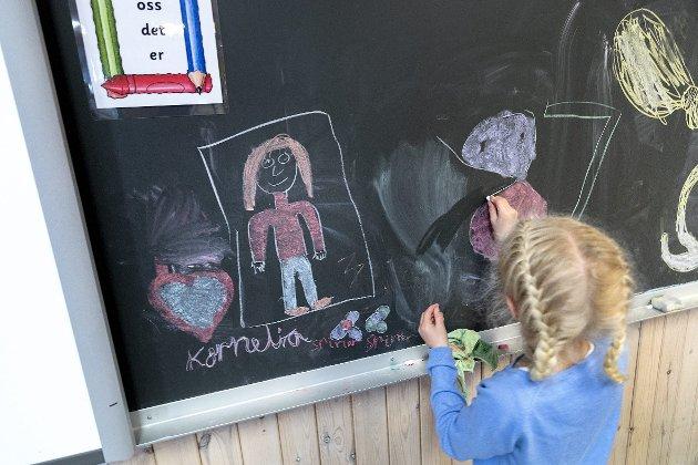 – Overgrep kan både forebygges og avdekkes raskere når barn har kunnskapen de trenger for å si ifra til en trygg voksen, skriver innsenderen. Illustrasjonsfoto: Gorm Kallestad/ NTB