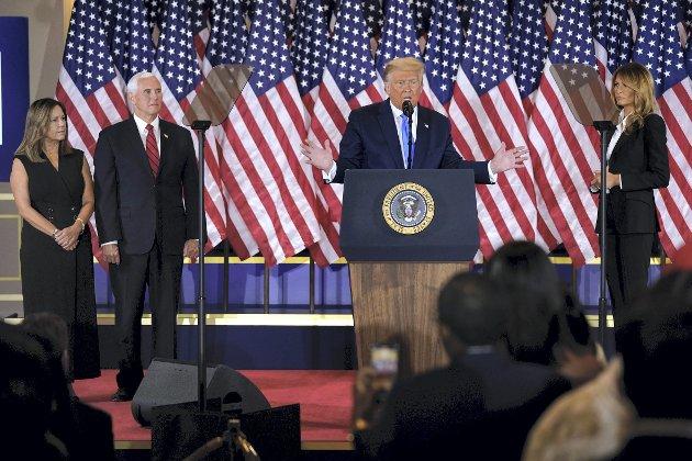 – I skrivende stund kan både Donald Trump (R) og Joe Biden (D) vinne valget, men jeg tror det kun er en av dem som vil anerkjenne nederlaget uten bråk. Det gir grunn til bekymring, skriver Trond Tystad.FOTO: AP Photo/Evan Vucci