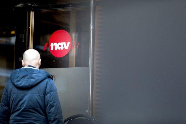 Køen kan kortes: – Norge går mot rekordhøy arbeidsledighet – også etter korona. En massiv offentlig satsing på bygg og anlegg kan gjøre Nav-køen kortere, skriver Hans Martin Moxnes. Foto: NTB/Scanpix
