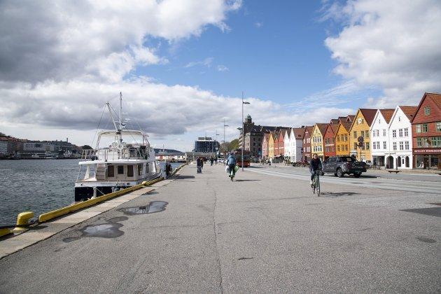 – Dra på storbyferie til Bergen. Du vil ikke bare få en fantastisk flott ferie, men du vil også bidra til å redde arbeidsplasser, skriver innleggsforfatterne. ARKIVFOTO: AGNIESZKA IWANSKA