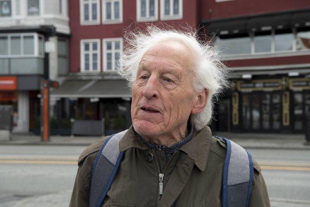 Bjørn Vidar Eik (81) fra Fyllingsdalen var syv år da freden brøt ut i Norge 8. mai 1945. – Under krigen flyktet vi opp til vossafjellene, og mange fra byen fulgte etter. På frigjøringsdagen husker jeg at jeg gikk ut i gaten med flagg. Vi må verne om freden og hindre at vi aldri opplever slike grusomheter igjen!