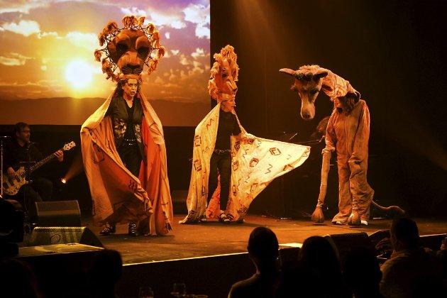 TIL AFRIKA: Kvinnene på randen i Løvenes Konge-modus. Elisabeth Moberg, Kjersti Berge og Marit Voldsæter er glitrende, femten år etter at de la opp. FOTO: RUNE JOHANSEN