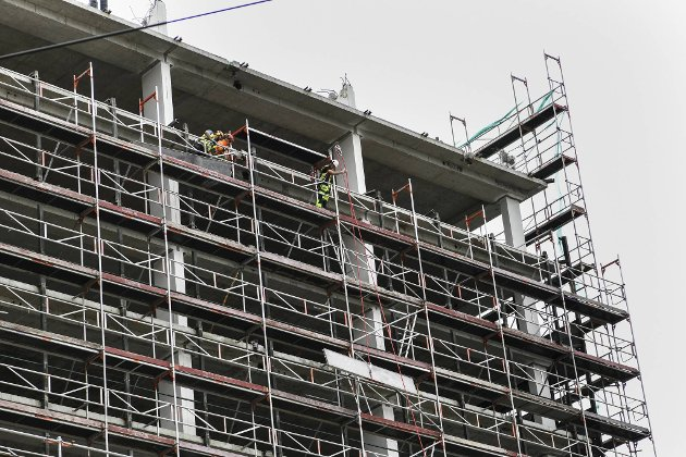 Stillaset fjernes også etterhvert som bygget blir lavere.