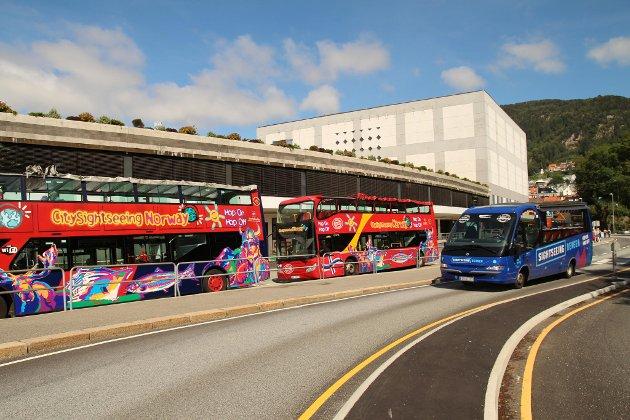 Slik som turistene har byttet fra båt til turistbuss på Bontelabo, kunne man byttet fra bybane til elektriske bybusser, eller løperhjul.