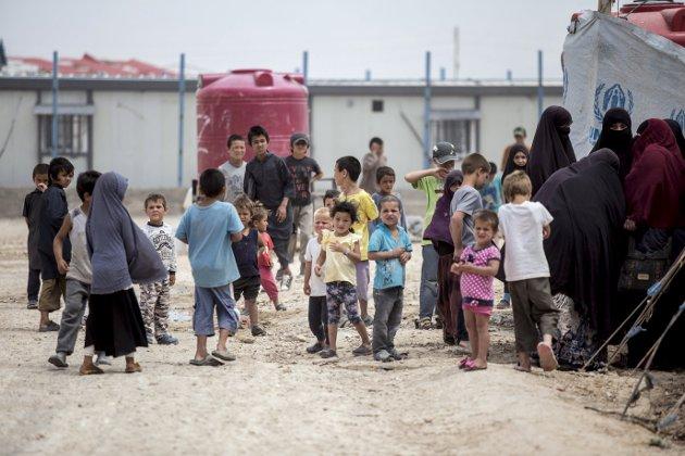 Fire norske IS-kvinner og borna deira er internert i flyktningeleirene Al-hol (bildet) og Roj i Syria.  Ap/Sp-regjeringa har sagt at dei ikkje vil hente dei heim.