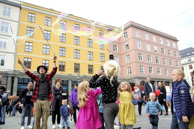 La barna leke på Torgallmenningen.