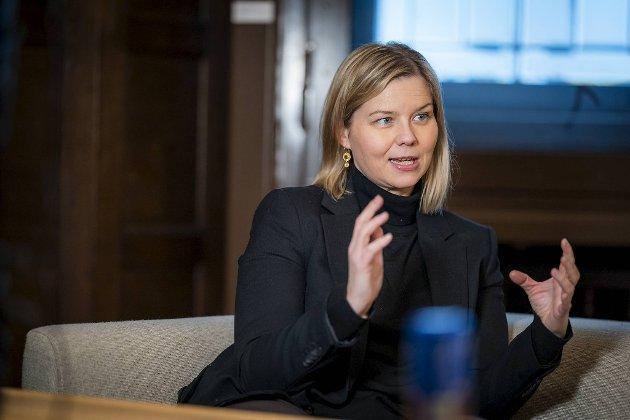 Kunnskaps- og integreringsminister Guri Melby (V) svarer på BAs leder mandag.