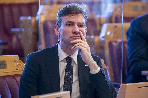 Forsknings- og høyere utdanningsminister Henrik Asheim (H) har grunn til å være betenkt. FOTO: NTB