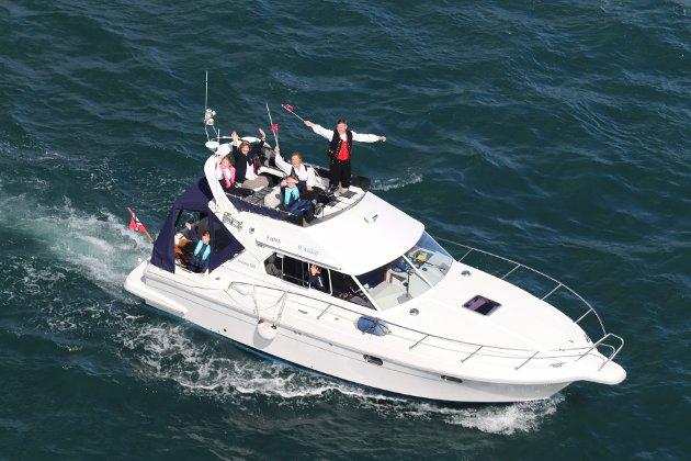 For andre år på rad ble det arrangert båtparade fra Bjorøy, via Nordnes og videre til Florvåg på 17. mai.
