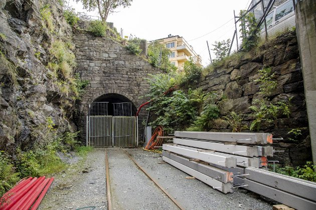 Tunnelen på Koengen ender ved Assistentkirkegården.