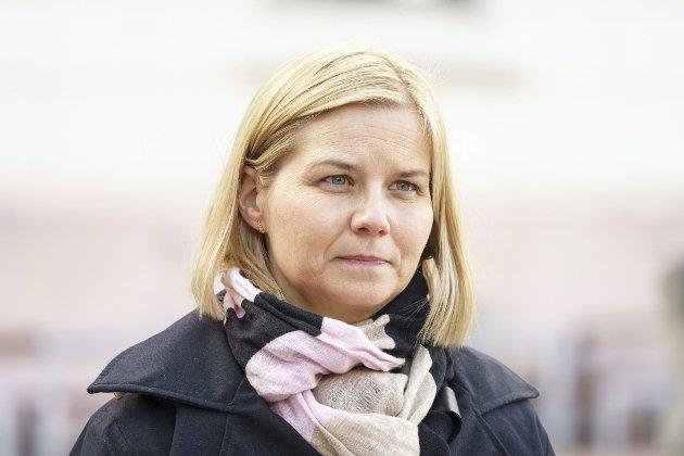 Kunnskaps- og integreringsministeren Guri Melby (V) har uttrykt tillit til at kommunene følger opp nye vaksineprioriteringer.