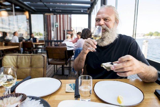 Stig Bareksten har vunnet mange priser for brennevinet han lager i OSS Craft Distillery i Blomsterdalen. Østers er bergenserens sjømatfavoritt.