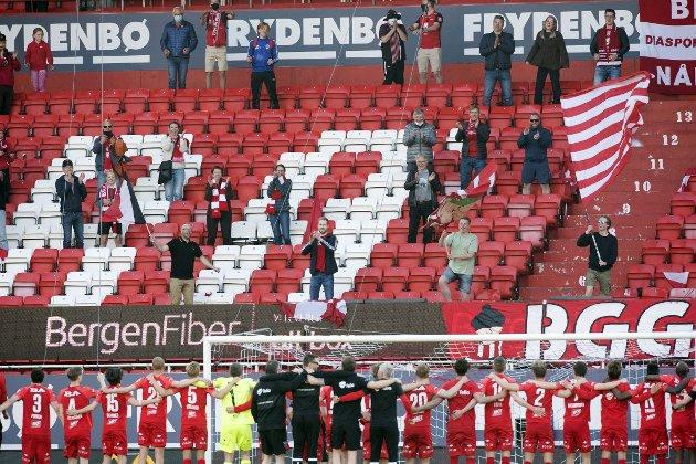 – Hva med å vise støtte til klubben i våre hjerter? Møte opp på Stadion og heie de frem.