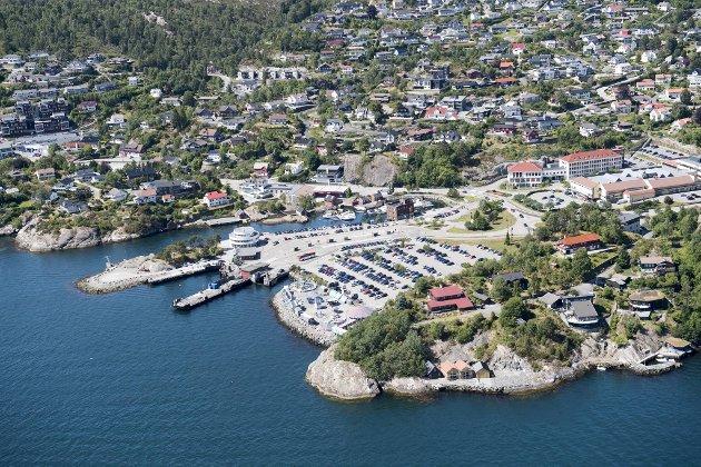 – Askøy kommune burde vært satt under et statlig styre som passer på at innbyggerne har vann i springen, mener summeren.