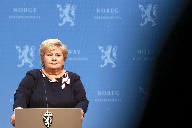 Erna Solberg (H) tok tidlig kommandoen da korona kom til Norge. Nå er hun og regjeringen langt mer opptatt av valget, men det trengs at man igjen tar en aktiv lederrolle i kampen mot korona. Det kan også være vært god valgkamp. Arkivfoto: Beate Oma Dahle, NTB