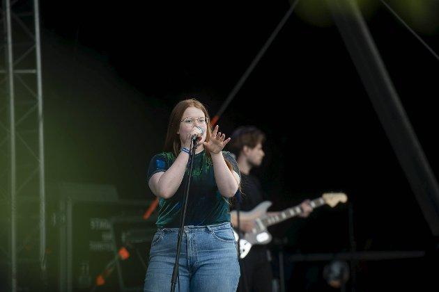Halie var første artist ut Violet Road, Madcon og Stage Dolls tar videre over stafettpinnen fredag.