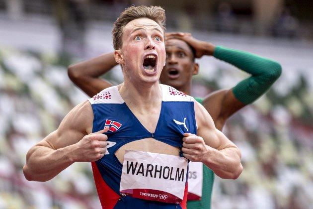 Denne uken tok Karsten Warholm OL-gull og satte ny verdensrekord på 400-meter hekk i Tokyo.  – La meg forsøke å forklare fenomenet Warholm, skriver Helljesen.