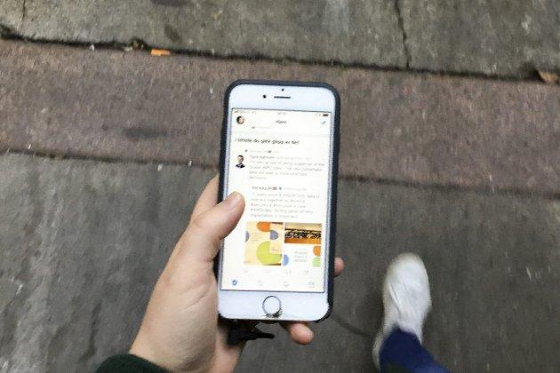 VIKTIG DINGS: Jeg kan ikke huske sist jeg kjedet meg, skriver Mona Melanie Lindseth i sin bekjennelse om å være avhengig av mobilen.