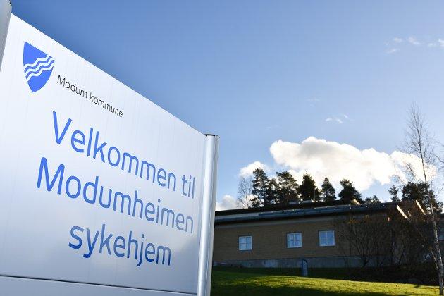 HVOR: Furulund bofellesskap og Modumheimen sykehjem. Skal de med demens flyttes, eller ikke?