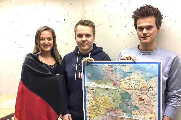 Fordeler med tysk: Kristine Dramdal Gunbjørnsen (t.v.), Magnus Paulsen og Hans-Olav Narum i tysk 2 har skrevet om viktigheten av å kunne tysk. I mange bransjer er det en klar fordel å beherske tysk.