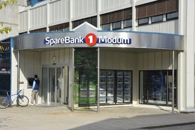 BANK: Helge Solbakken spør i dette innlegget om Modum Sparebank1 har blitt for restriktive når det gjelder å gi lån til førstegangsetablerere i kommunen.
