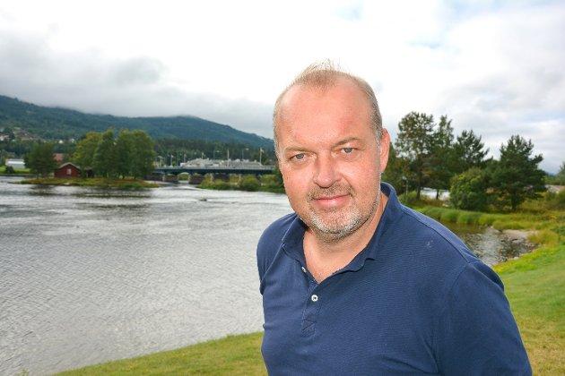 Knut Bråthen er ansvarløig redaktør og daglig leder i Bygdeposten og Eikerbladet.
