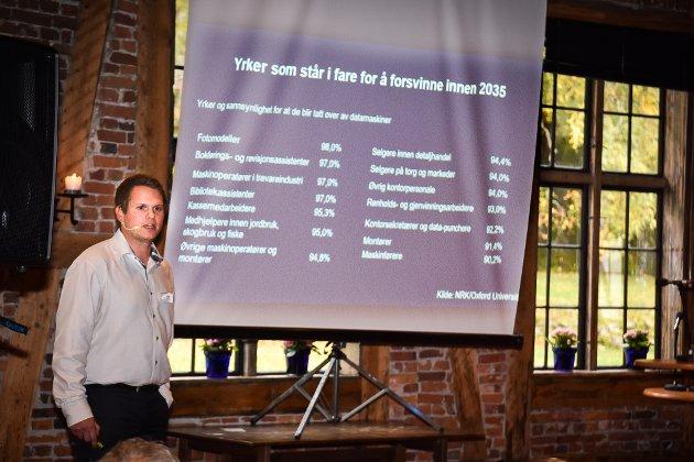 Modumkonferansen 2017. Andreas Viljugrein, medlem i gruppa «Ungdom former morgendagens Modum.