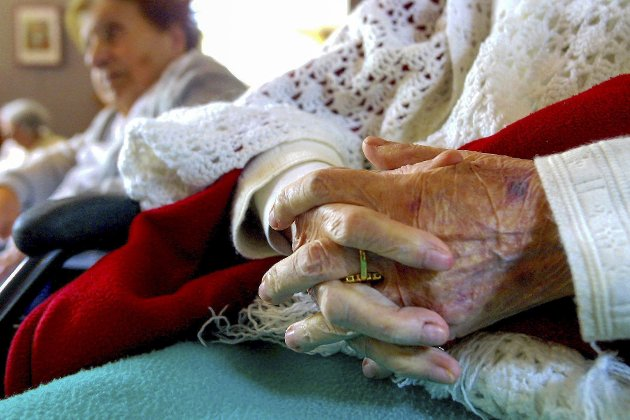 Eldreomsorg: Mange opplever aldri å få den opptjente bonusen i livets siste fase, skriver Laila Strand i denne Lørdagsspalten og spør om alderdom er tabu eller skam?              Illustrasjonsfoto