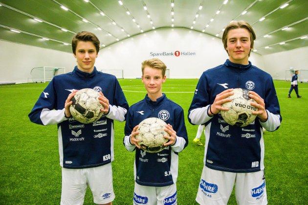 GIR ALT MOT HBK: MFK-gutta Kristian Svartås Olander (f.v.) Sebastian Wold og Mats Dokken.