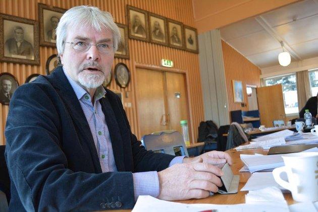 SIGDAL TAPER: Runolv Stegane (V) mener Sigdal taper arbeidsplasser, mens Krødsherad sier ja til utvikling. Debatten raser videre rundt grensene for bygging på Norefjell.