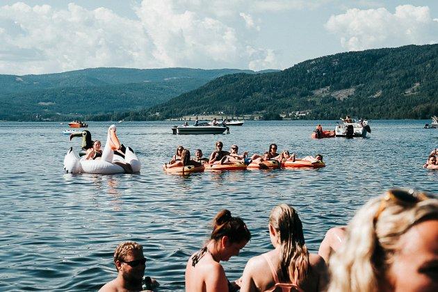 Kryllingsprell 2019, Skinnesmoen, Trang Fødsel