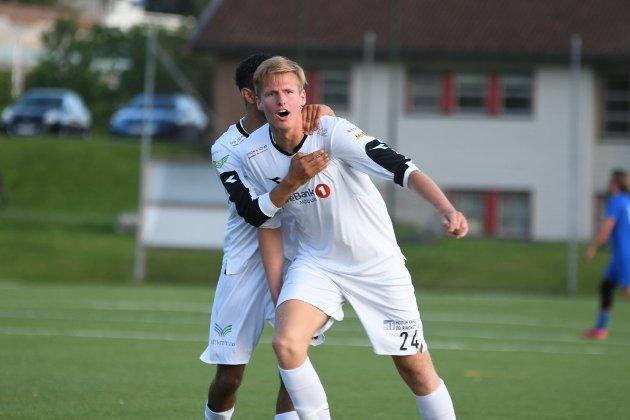 MODUM FOTBALLKLUBB: Trenger Modum fotballklubb egentlig en egen bane, spør Narve Holm (Rødt) i dette innlegget.