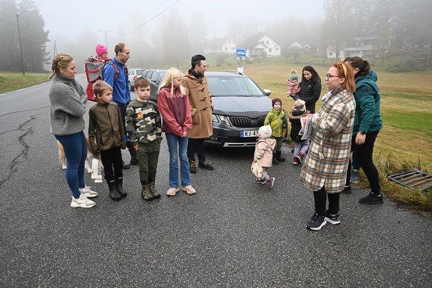Heggenveien:  Beboerne langs Heggenveien krever at noe nå må gjøres med fylkesveien, før det skjer en alvorlig ulykke.