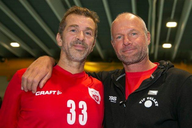 IMPONERTE: Eirik Roness (t.v) og Jørre Kjemperud var imponert over Vikersundlagets innsats mot Askim.