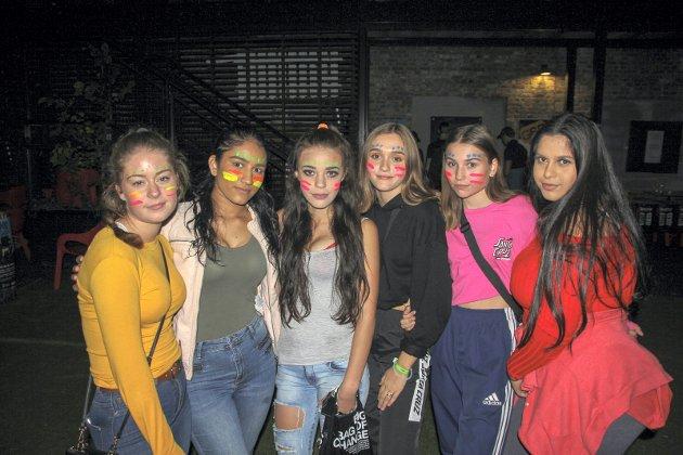 F.v. Lisa, Rabia, Ariana, Tuva, Kristine og Jasmin