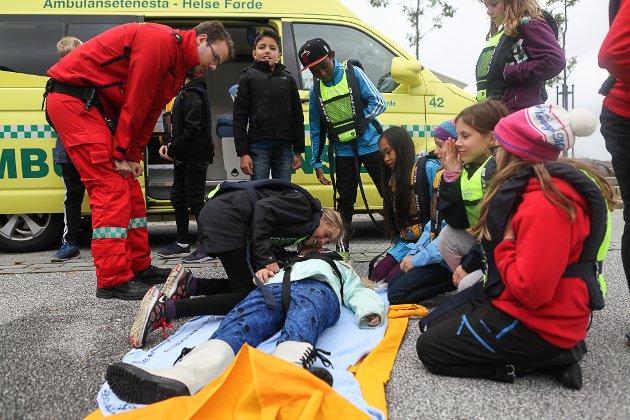 HLR: Ambulansen og fagpersonell i frå Helse Førde var på plass.