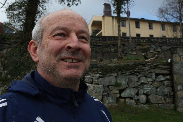 """""""Velkomen etter"""", seier Samlingslistas Hilmar Eliasson, etter det samrøystes vedtaket om å byggje nytt rådhus i Bankhola."""