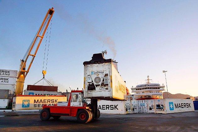 FEIL ADRESSE: Å flytte containertrafikken frå Fugleskjærskaia og innover til Botnastranda, blir heilt feil, meiner tidlegare hamnestyremedlem, politikar og fiskar Harald Lindvik, som meiner containarane høyrer heime i Gunhildvågen.